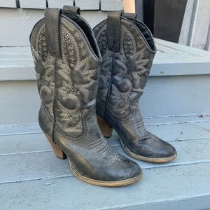 Very Volatile gray Denver Cowboy boots